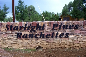 Starlight-Pines-Ranchettes-sign
